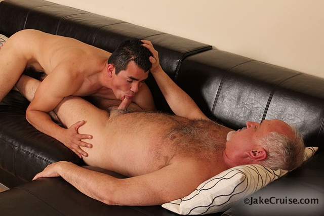 Mario Romo Jake Cruise 005 Ripped Muscle Bodybuilder Strips Naked and Strokes His Big Hard Cock Jake Cruise photo1 - Mario Romo & Jake at Jake Cruise