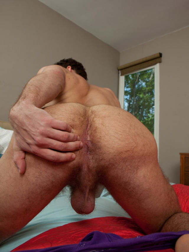 Randy Studs Hot Ass Splitting