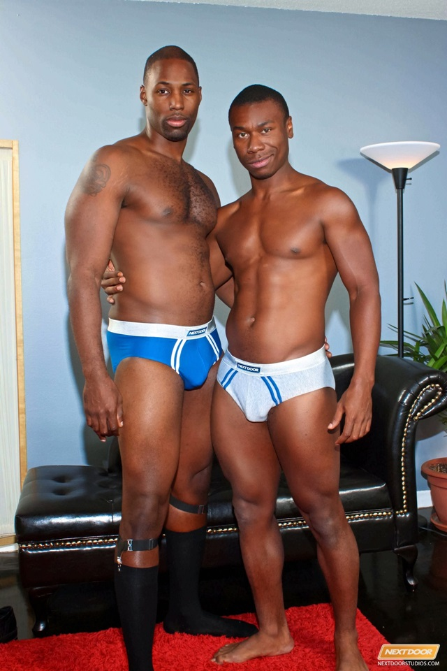 Hunky businessmen fucking after meeting 2 months ago YesWeGays