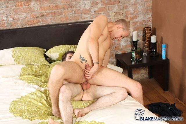Blake-Mason-Deacon-Hunter-twink-boy-Edwin-Sykes-horny-young-guys-fuck-ass-hole-boys-precum-oozing-dicks-010-male-tube-red-tube-gallery-photo