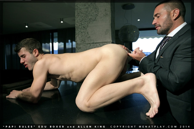 MenatPlay-young-student-hot-papi-Edu-Boxer-muscle-daddy-Allen-King-full-suit-and-tie-ass-erect-dick-cum-016-tube-download-torrent-gallery-photo