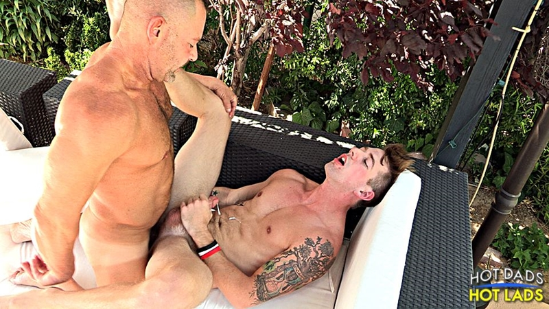 HotLadsHotDads hot dad Doug Jeffries cute boy Sean Blue kiss asshole fucks couch thrusting deep lad tight hole 014 tube download torrent gallery photo - Doug Jeffries and Sean Blue