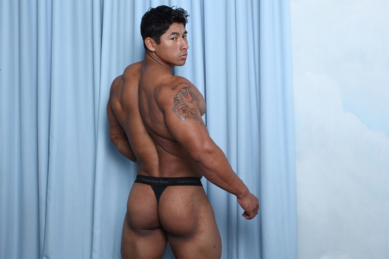 Lucky naked muscle asian male tube slit