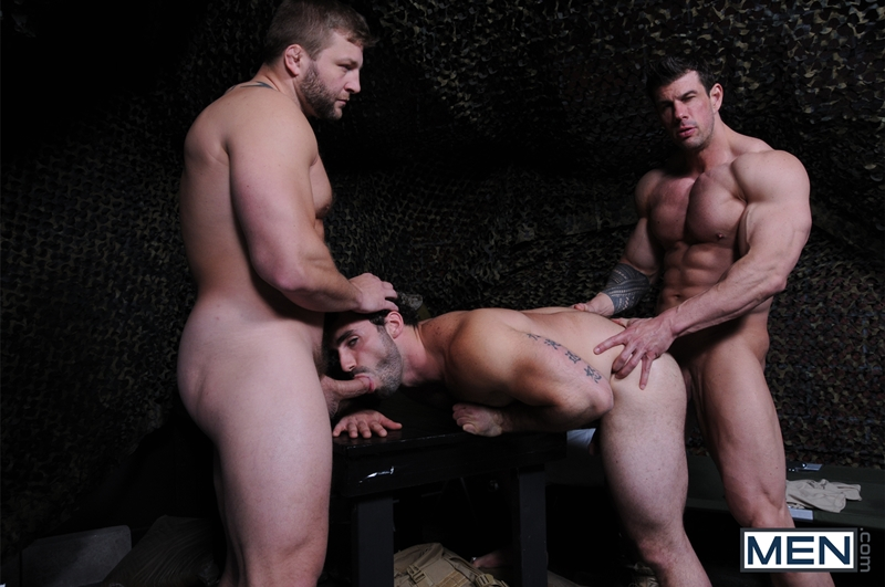 Men-com-Military-Tour-Duty-beefy-threesome-Zeb-Atlas-Colby-fucking-Jaxton-Wheelers-muscle-butt-horny-cock-whore-mouth-ass-010-tube-download-torrent-gallery-sexpics-photo