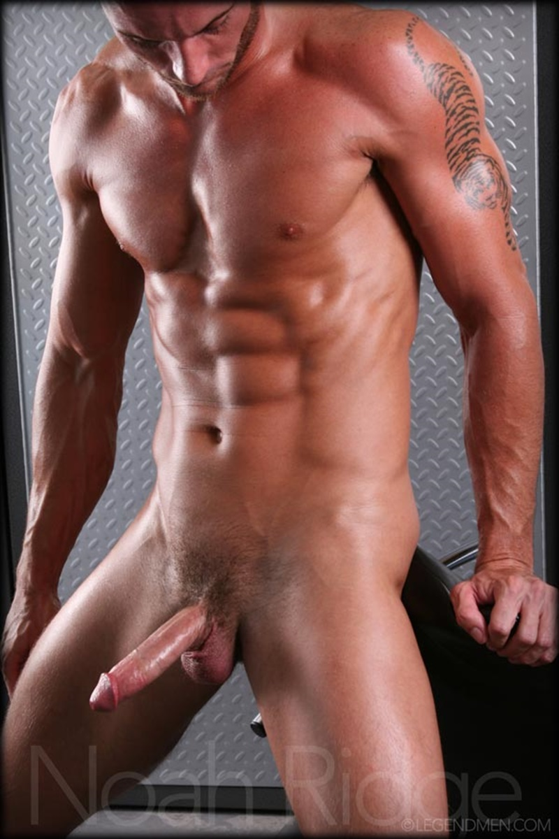 LegendMen-Hot-sexy-muscle-stud-Noah-Ridge-young-muscled-bodybuilder-ripped-body-six-pack-abs-huge-thick-long-dick-hot-bubble-ass-jerks-012-gay-porn-sex-gallery-pics-video-photo