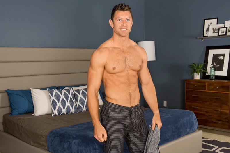 SeanCody-sexy-nude-muscle-boys-Shaw-Dean-bareback-raw-ass-fucking-big-thick-bare-dick-anal-assplay-muscled-dudes-fuck-smooth-tattoo-chest-002-gay-porn-sex-gallery-pics-video-photo