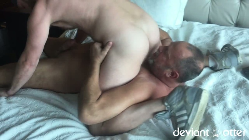 Hunk Cums From Hardcore