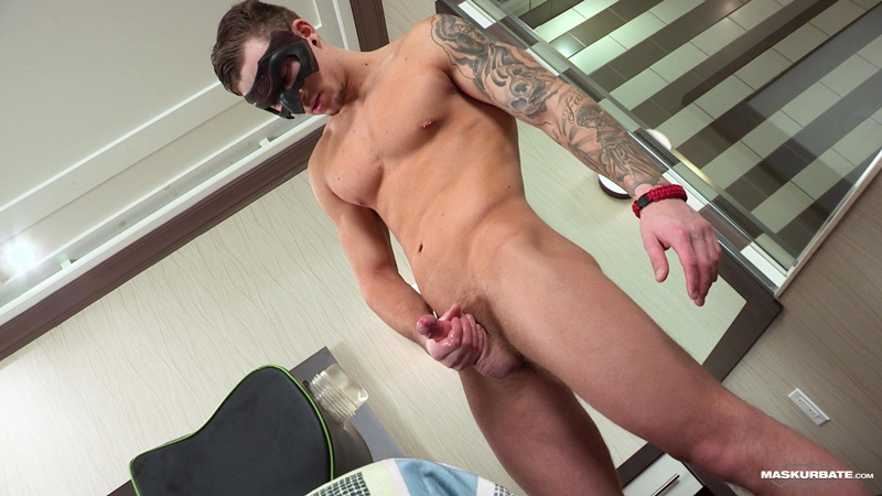 Hottie ripped young muscle jock Vince strips jerks big uncut dick cum explosion 015 gay porn pics - Hottie ripped young muscle jock Vince strips and jerks his big uncut dick to a cum explosion